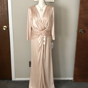 Fully lined long dress - Champagne